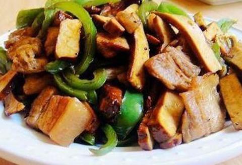 美食推荐:腊肉炒蒜苔, 姜椒排骨,南瓜肉末泥,香干回锅肉
