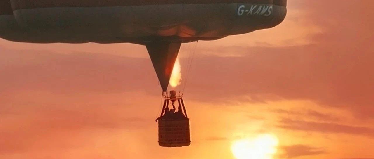 坐KAWS热气球环游世界,《KAWS:HOLIDAY》第六站又再升空!