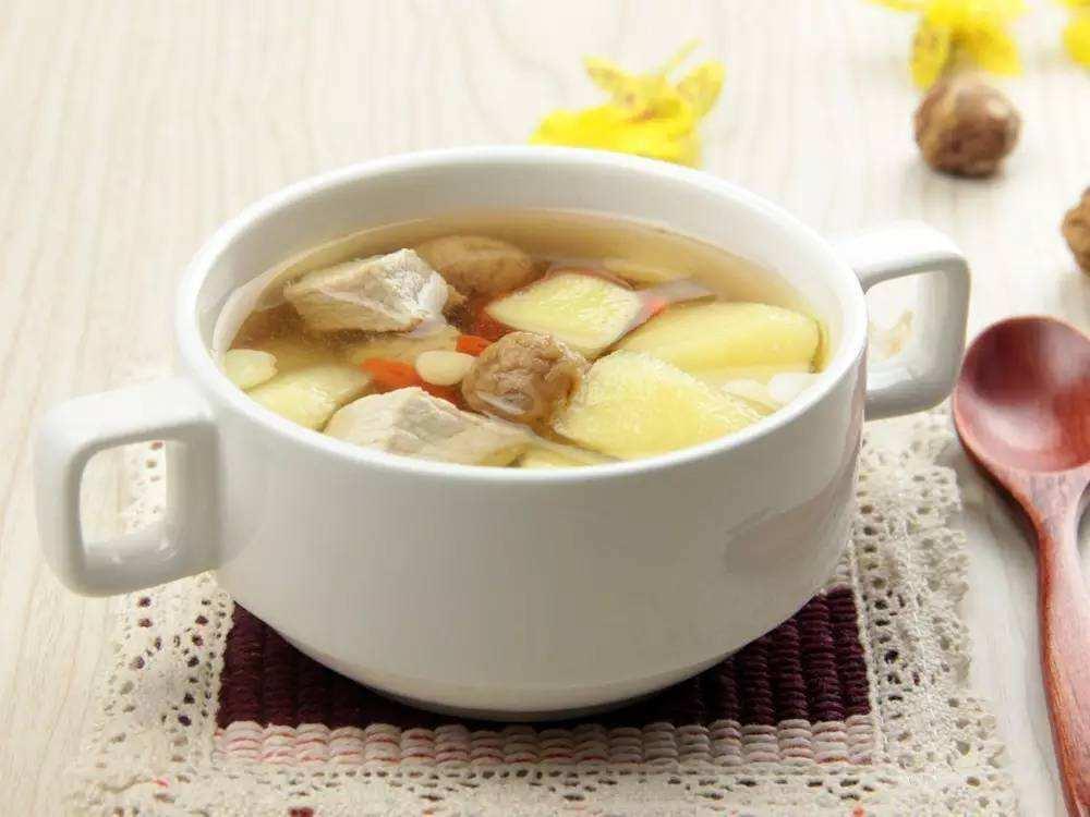 学会这样做苹果雪梨瘦肉汤,营养美味,再不用担心孩子会挑食了