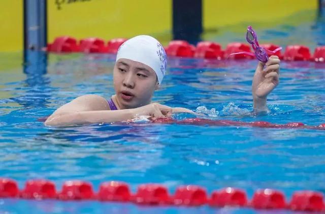 """全国游泳冠军赛掀起一股""""青春风暴"""""""