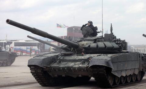 还记得伏尔加河边T-64吗,T-72是它的高仿,除了贵没毛病