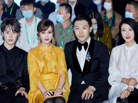 杨雪、颜丹晨罕见同框,同是气质女人,真是各有各的美,都很高级