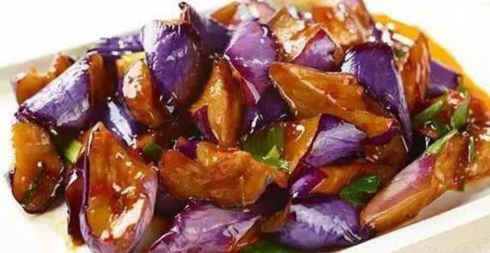 美食推荐:干锅土豆片,虾皮茼蒿,干锅菜花,红烧茄子的做法