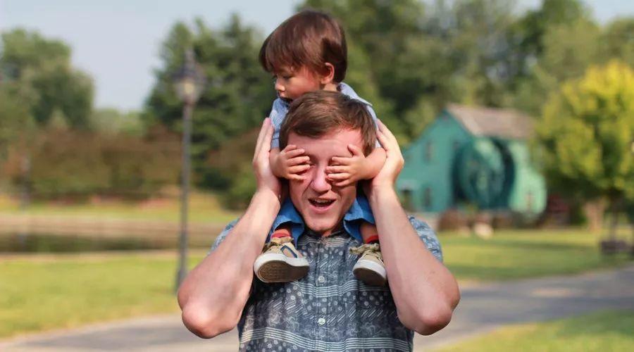 脑神经专家:孩子脑发育可达3次峰值,能抓住一次都有很大帮助