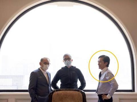 庄文强导演的新剧《金手指》杀青,阵容可谓豪华