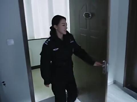 倪娜向陈修远借杂志,陈博士劝倪娜她们研制的义肢不能用!