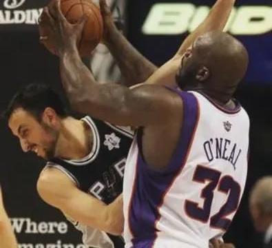 """答球迷:当年NBA马刺队的波波维奇为何开场5秒就用""""砍鲨战术""""?"""