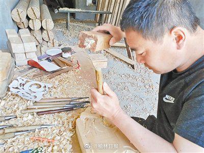 佳县木雕技艺传承人康忠峰:指尖上雕刻艺术人生