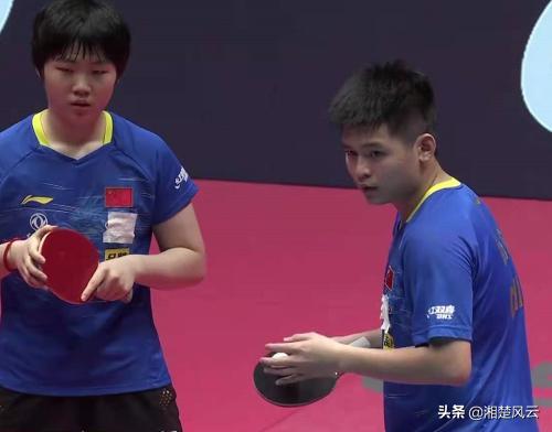 林诗栋/蒯曼2-1逆转战胜对手,进混双八强,一个意外改变场上局势