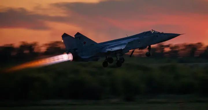"""挪威空军飞继续在俄边境上空""""遇见""""米格-31"""