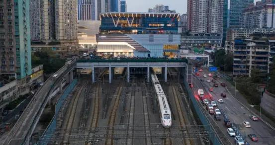 龙湖光年商圈高铁TOD综合体强劲势能,助推成渝双城融合发展