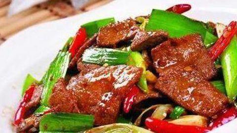 美食推荐:蚝油焖南瓜,干锅包菜,糖醋菜卷,蒜香猪肝的做法