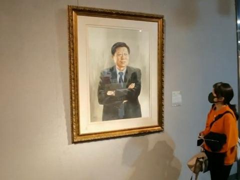 笔绘新时代华章!梁连生中国企业家水彩画肖像作品展在青岛开幕