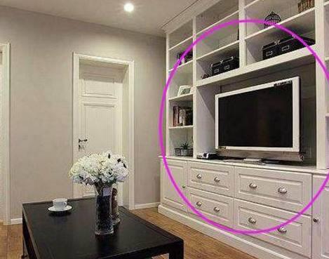 客厅别傻傻的做大电视柜,有钱人都潮流这样设计,看完想回家学装