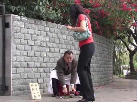 别人都是修鞋匠,到了潘长江这里,竟成为了毁鞋匠!
