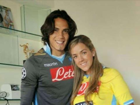 卡瓦尼此前想离开曼联原因揭晓:妻子怀孕想回南美,第4次做爸爸