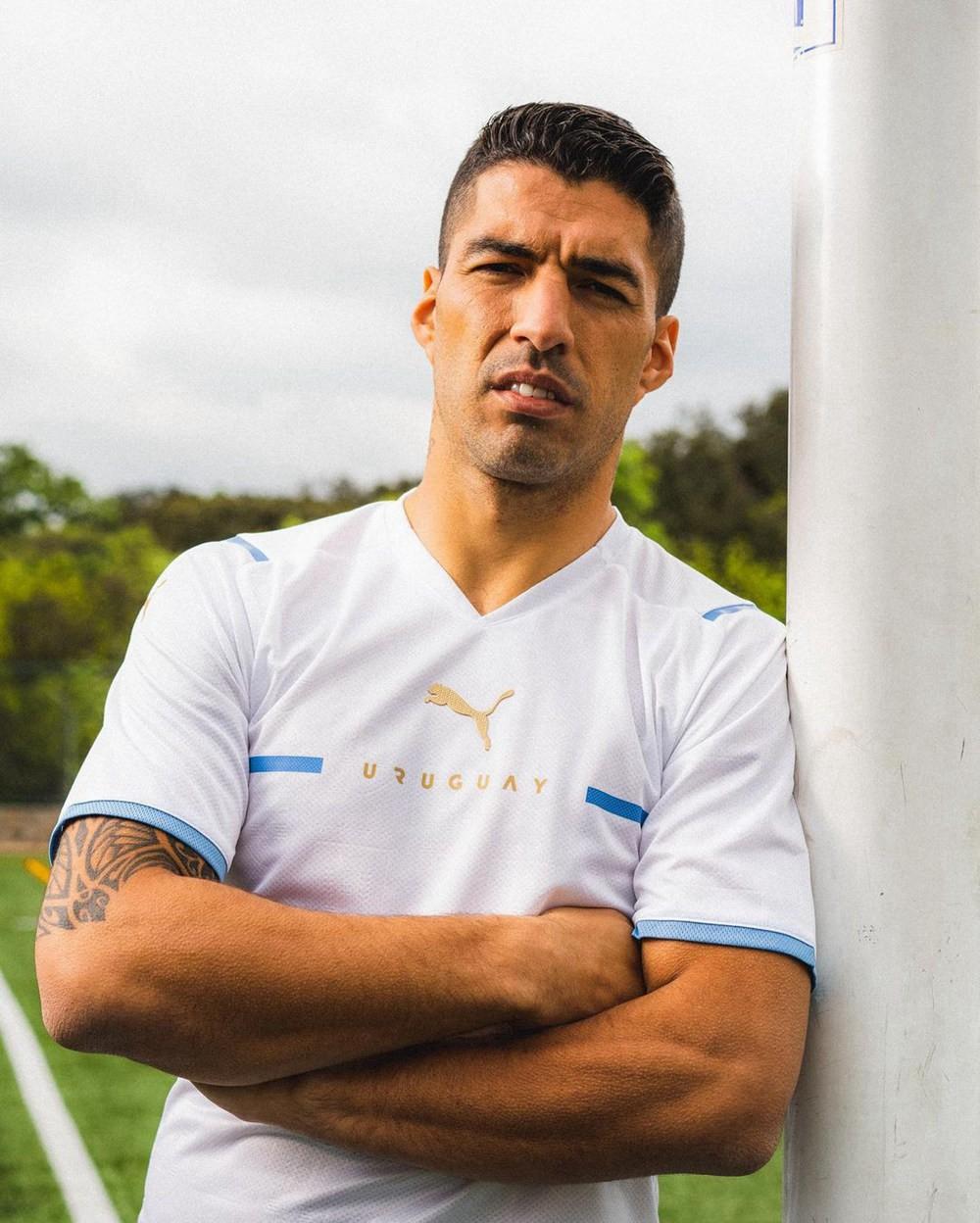 PUMA发布乌拉圭国家队全新主客场球衣