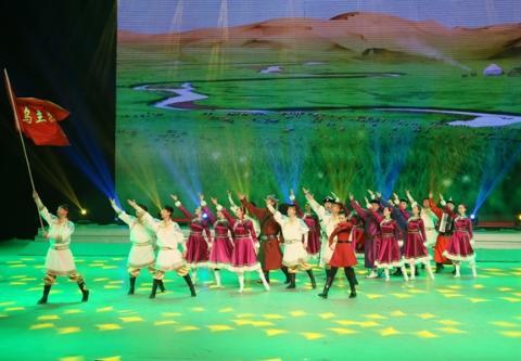 """内蒙古阿拉善盟乌兰牧骑文化艺术""""三创新""""助推红色经典入民心"""