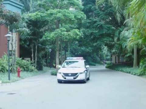 家庭秘密:玉雯坐车赶到,连忙对丽华进行急救,丽华被送到医院