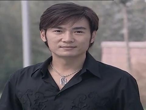 焦恩俊喜欢上女朋友公司的员工,但是女孩很有原则