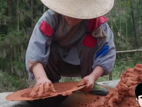 山药哥美食:甲鱼就要这样吃,裹上黄泥放火盆上烧,别有一番风味