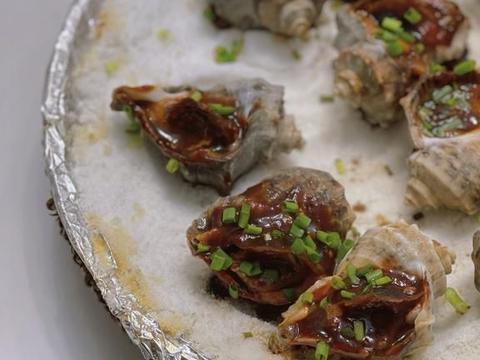 海山骨水煮三鲜麻盐焗香螺炸鳗鱼,滨海城市大排档就是这么实惠