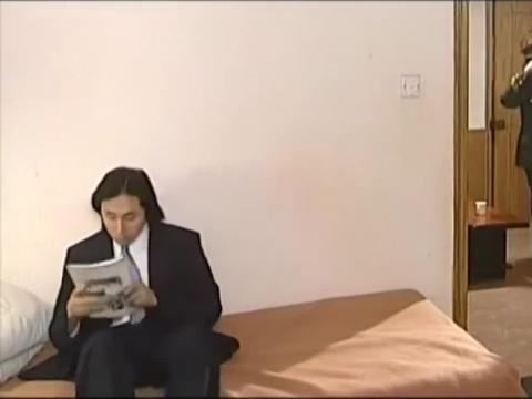 刑警本色:王奎荣刚回来,就打小伙一巴掌,怎么出你这么个坏东西