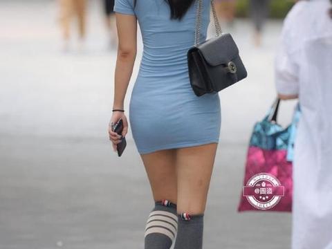美而不凡的打底裤穿搭可爱有气质,无惧寒冷露出脚背,别出心裁