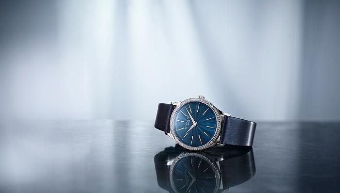 百达翡丽重新演绎经典Calatrava系列,梵克雅宝四叶幸运系列推出吊坠腕表丨当周腕表