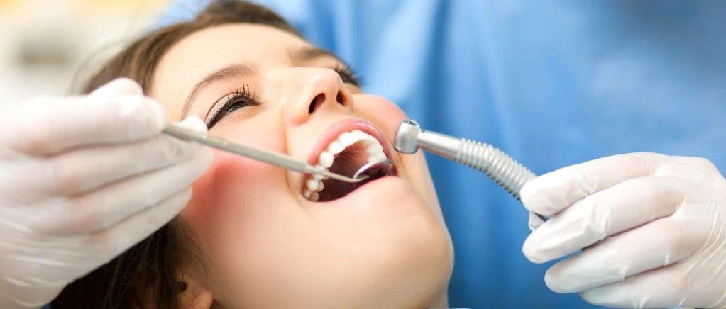 科学家发现,牙龈卟啉单胞菌定植结直肠后,能招募髓系免疫细胞,激活炎性小体,促进肠癌的发生发展