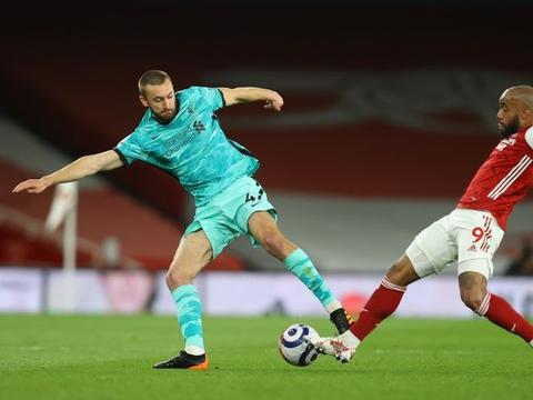 菲利普斯:在利物浦踢中卫不能怕竞争 跟克洛普谈完再定去留