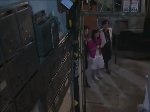胡定欣和钟嘉欣BB当年一起演的戏,一起保护鲍鱼