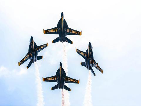 蓝天使,在马里兰州安纳波利斯的美国海军学院上空表演