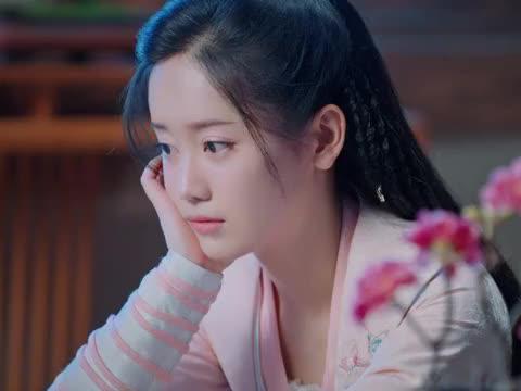 岳子缘喜欢杨潇也不能说出来,是白银若未婚夫