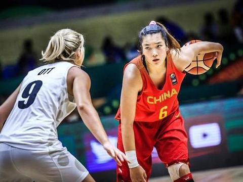 中国女篮悍将火力全开,超远三分25连中,爆砍62+冲奥运四强