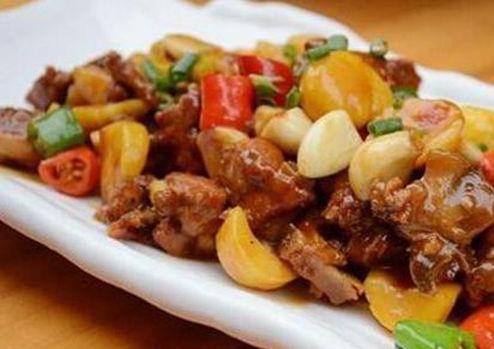 美食推荐:酱香鱿鱼须,板栗烧牛蛙,香辣鸡脆骨,营养小鱼圆