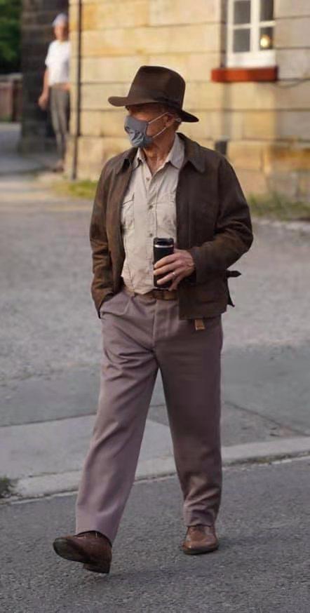 《夺宝奇兵5》片场照,福特叔经典形象印第安纳·琼斯回归……