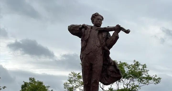 聂耳塑像落成仪式系列活动在昆明学院举行