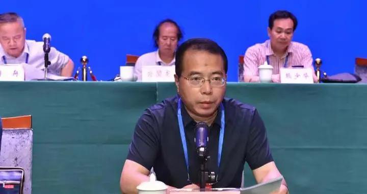 漆钢再次当选重庆市书法家协会主席