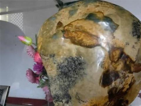 河南灵山峰顶发现奇石成镇山之宝,慧眼之人,可看到72位正神?