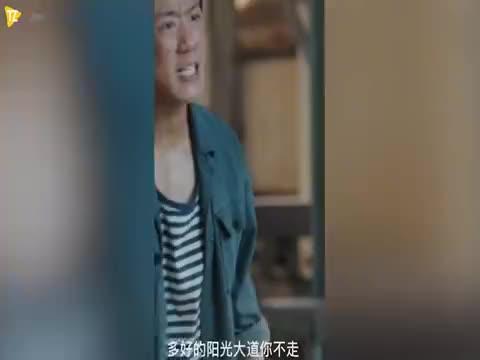 王俊凯台词生硬演技尴尬,被喷给北影丢脸了,当真不如易烊千玺?