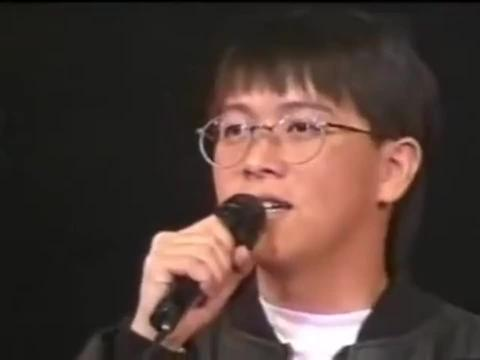 26年前张雨生在北京唱《我的未来不是梦》,高音穿云,舞台之王