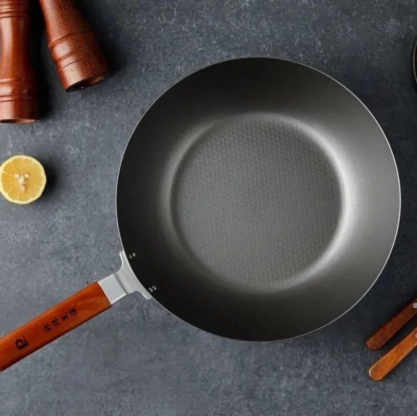 钛含量99.81%,日本原装进口高纯度钛锅,无涂层、超轻!