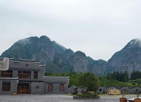 江西南方也有武当山,这里风光不输湖北武当山,因为有名常被忽略