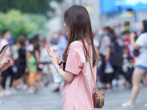 休闲长款T恤,轻松打造下衣失踪法,粉嫩配色,少女感十足