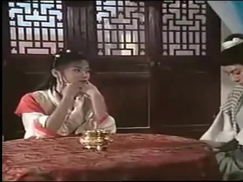 年轻的万绮雯和吕颂贤,看起来还是挺登对的