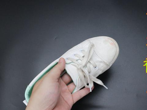 不管鞋子有啥异味,在鞋子里撒一勺,异味消失无踪,可以试试