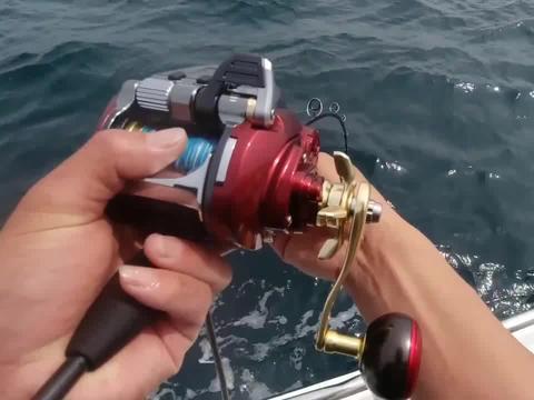 超大红斑狂拉不停,狂赚10000多,深海钓鱼实在太有前途了!