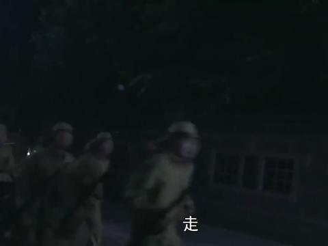 抗日奇侠:博士答应救人,苦于没有工具,三侠夜闯医院盗取血清
