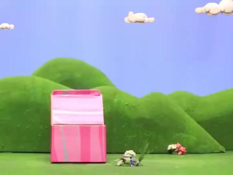 天线宝宝们玩起了装扮游戏,拉拉穿上花裙子正在跳广场舞